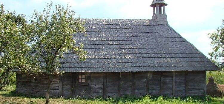 Bisericile de lemn din Țara Făgetului, o comoară ascunsă a Banatului