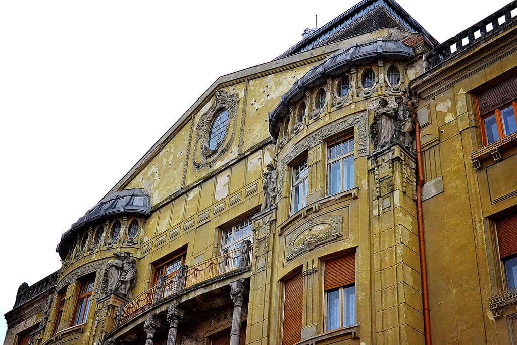Nicolae Robu face amenințări goale la adresa proprietarilor de clădiri istorice din Timișoara