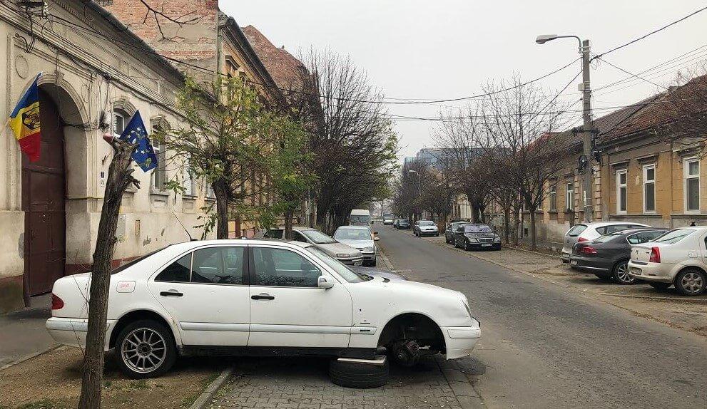 Inițiativă USR pentru eliberarea mai rapidă a drumurilor de mașinile abandonate